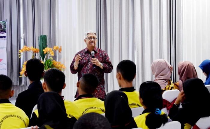Kuliah Perdana, Program Studi Psikologi Datangkan Pakar dari UGM